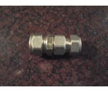 Knelovergangskoppeling voor klant op maat gemaakt van 18mm knel  x 16mm knel